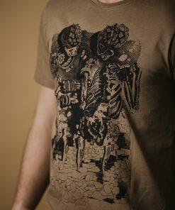 Brown T-shirt - Smiling