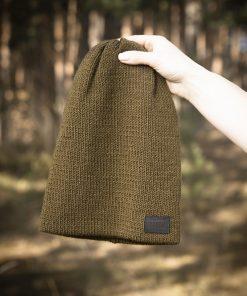 Zaļa adīta cepure